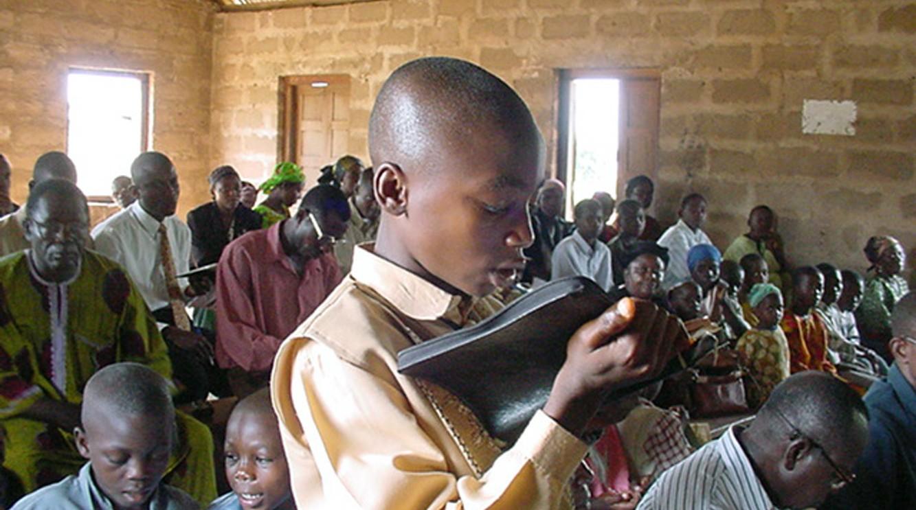 boy_loves_to_read_Bible-e1311205964899
